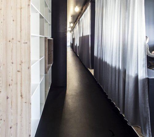 neue r ume f r mymuesli schwarze zonen in passau. Black Bedroom Furniture Sets. Home Design Ideas