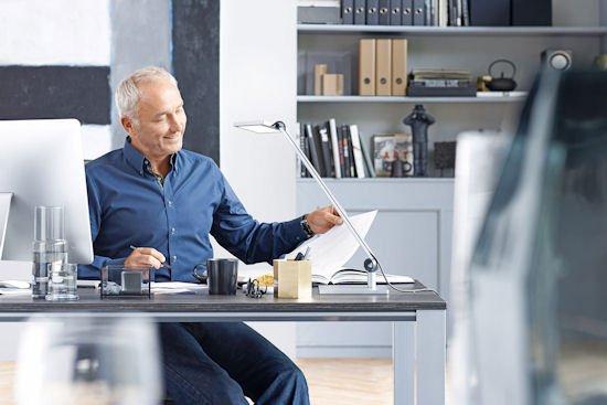 waldmann arbeitsplatzleuchte para mi von agr gepr ft und empfohlen gutes licht f r einen. Black Bedroom Furniture Sets. Home Design Ideas