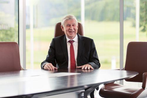 Interstuhl seniorchef bleibt aktiv im unternehmen werner link wird 75 - Interstuhl jobs ...