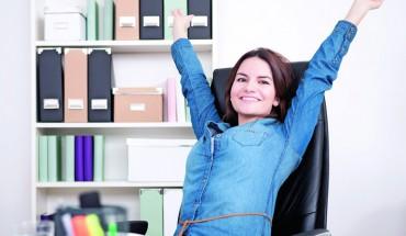 Wer sich regt, lebt länger und bleibt fitter. Das gilt erst recht für Menschen, die viel Zeit im Büro verbringen. Foto: Fotolia/Sebastian Gauert