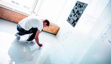 """Im neuen Adidas-Bürogebäude """"Pitch"""" testen 300 Mitarbeiter verschiedene Bürokonzepte. Foto: adidas"""