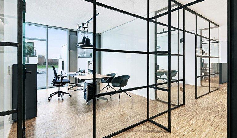 open space das b2b unternehmen berner group erhielt an seinem neuen standort in k ln ein b ro. Black Bedroom Furniture Sets. Home Design Ideas