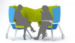 Der TeamUP Adhoc-Mikroarbeitsplatz vereint die Eigenschaften ganz unterschiedlicher Produkte: Komfort eines bequemen Sessels, Mobilität von Funktionsstühlen und Raumbildungsmöglichkeiten variabler Stellwände.   Foto: © Interstuhl