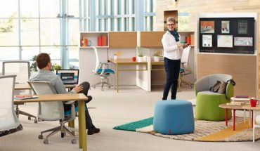 Workware_Wireless_Software_2.0_and_Openest_lounge_furniture_create_a_comfortable_space_for_collaboration_and_casual_meetings.